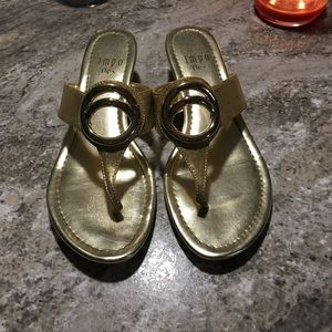NWOT Impo flex gold wedge sandals size 8